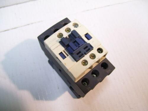 SCHNEIDER TELEMECANIQUE LC1D32G7 32//50A 2-25HP//240-600VAC CONTACTOR 120VAC P2249