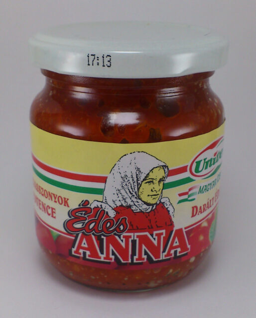 Crushed Mild Pepper Hungarian Univer Edes Anna Sweet Ann Paprika 200g / 7oz.