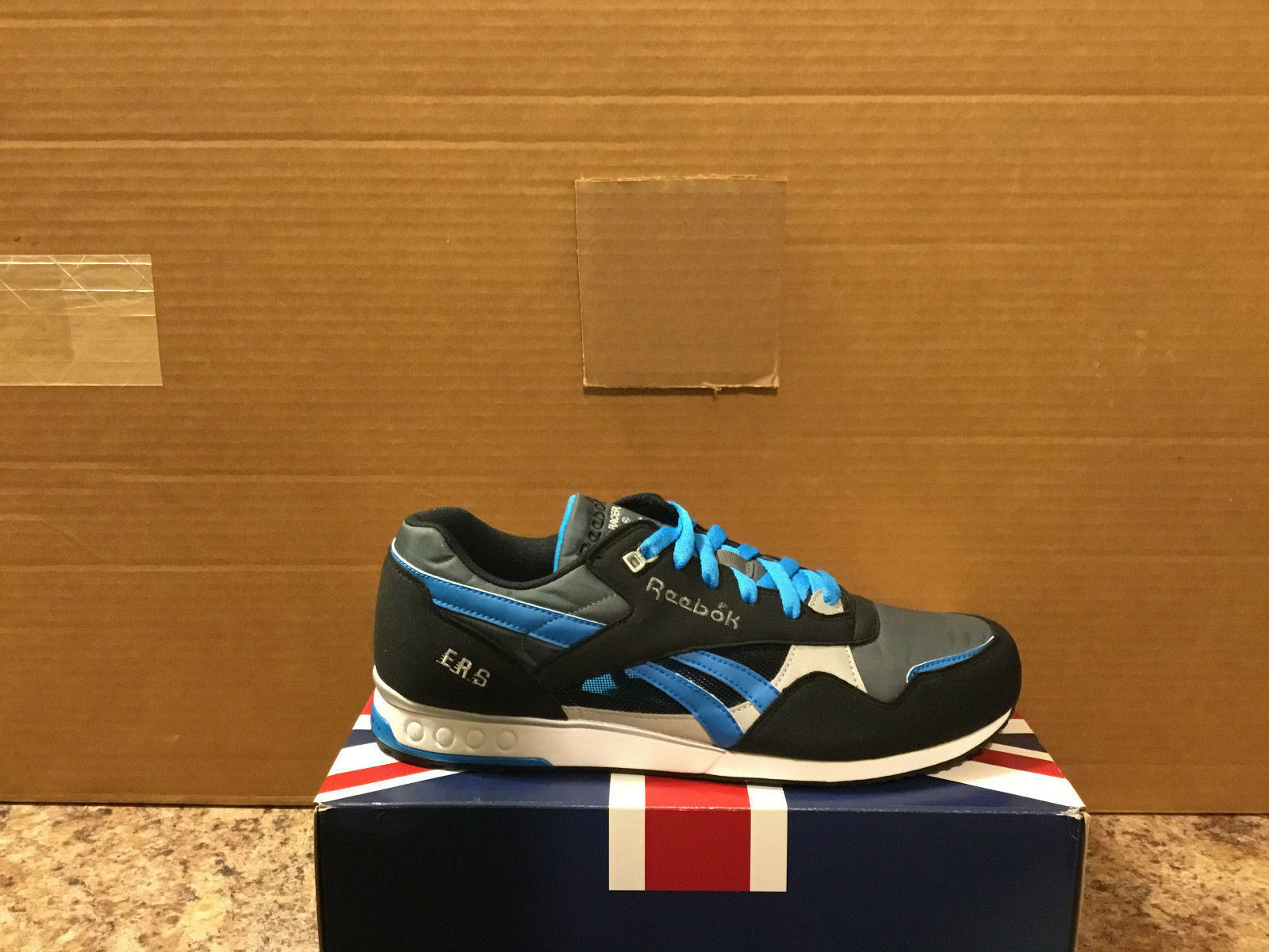 REEBOK ERS RACER style 172215 men's size US10-VERY NICE COLOR COMBO
