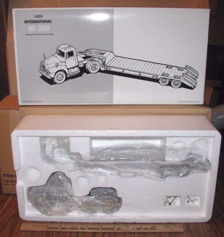 First 1st Gear 1959 International RF-200 Tandem Lowboy Semi Collector Toy 1/34