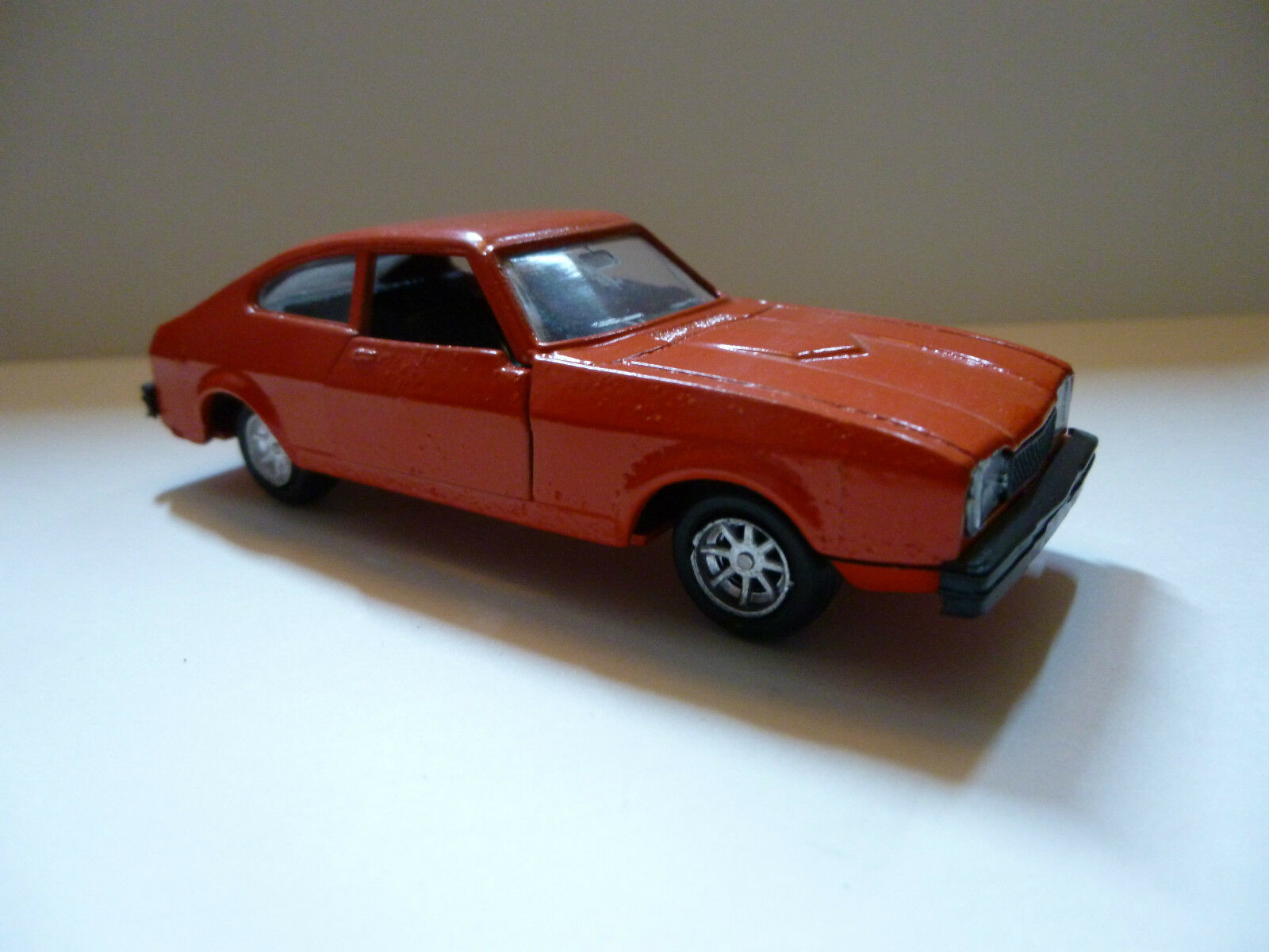LUSO TOYS  Ford capri mk II  1 43 eme  Orange Neuve