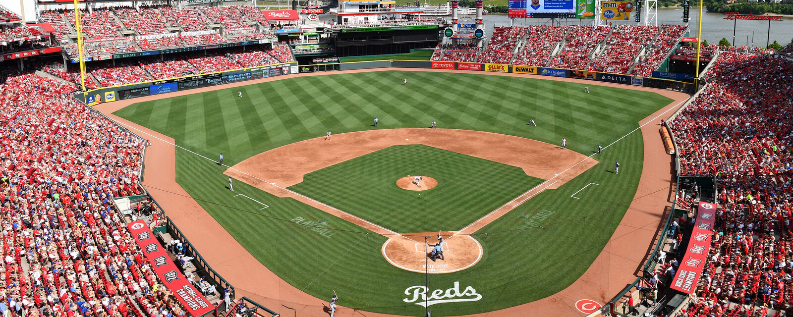 Cleveland Indians at Cincinnati Reds