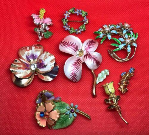 Vintage Pins 8 Enamel On Gold Plated Metal Flower