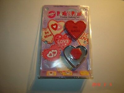 100% Waar 2007 Push 'n Print Cookie Making Embossed Valentine Kit 3 Design Disks Exquisite Traditional Embroidery Art