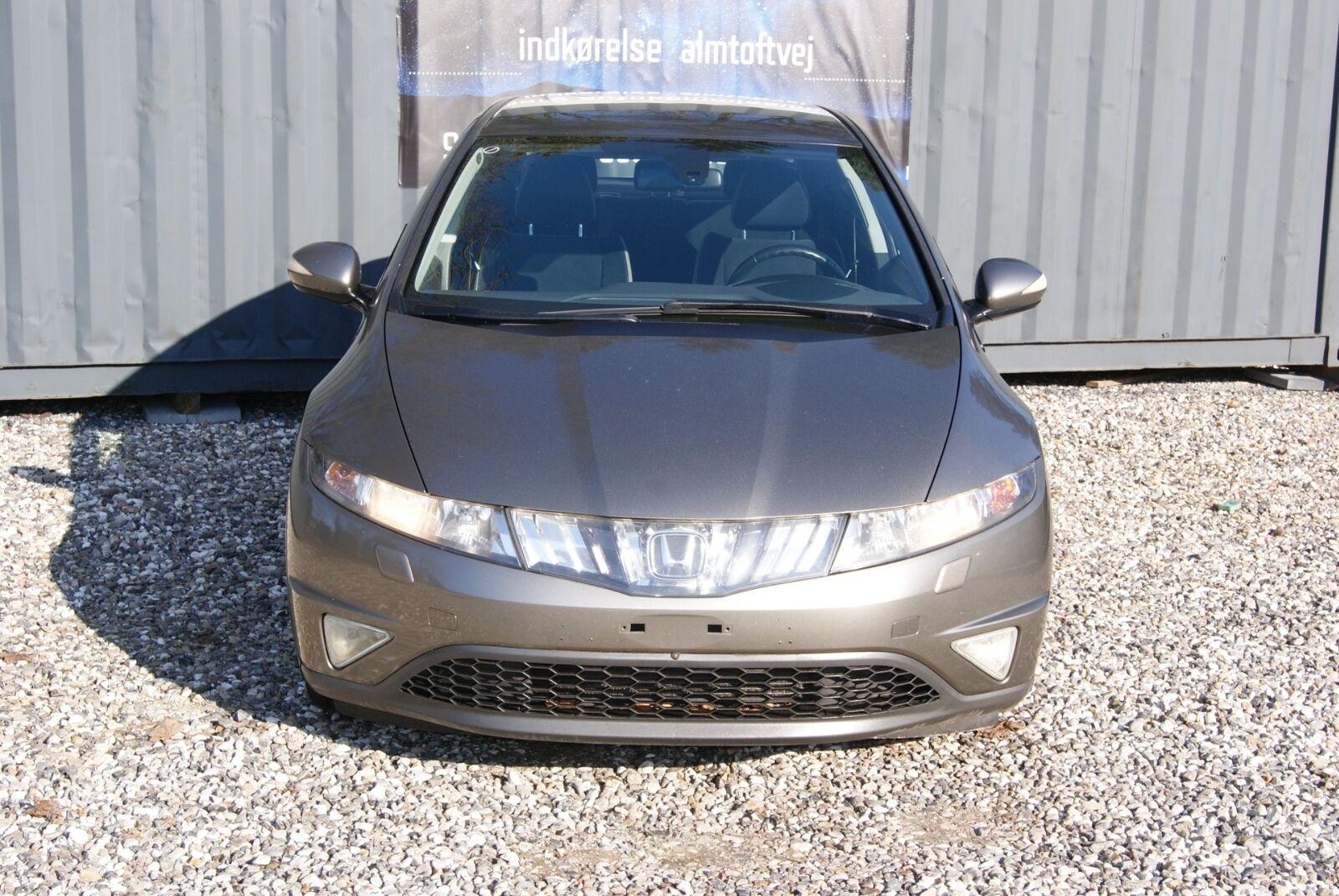 Honda Civic 1,8 Sport 5d