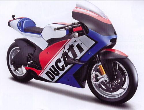 Ducati Desmosedici `11 Flagge rot//weiß//blau Maisto Motorrad Modell 1:6