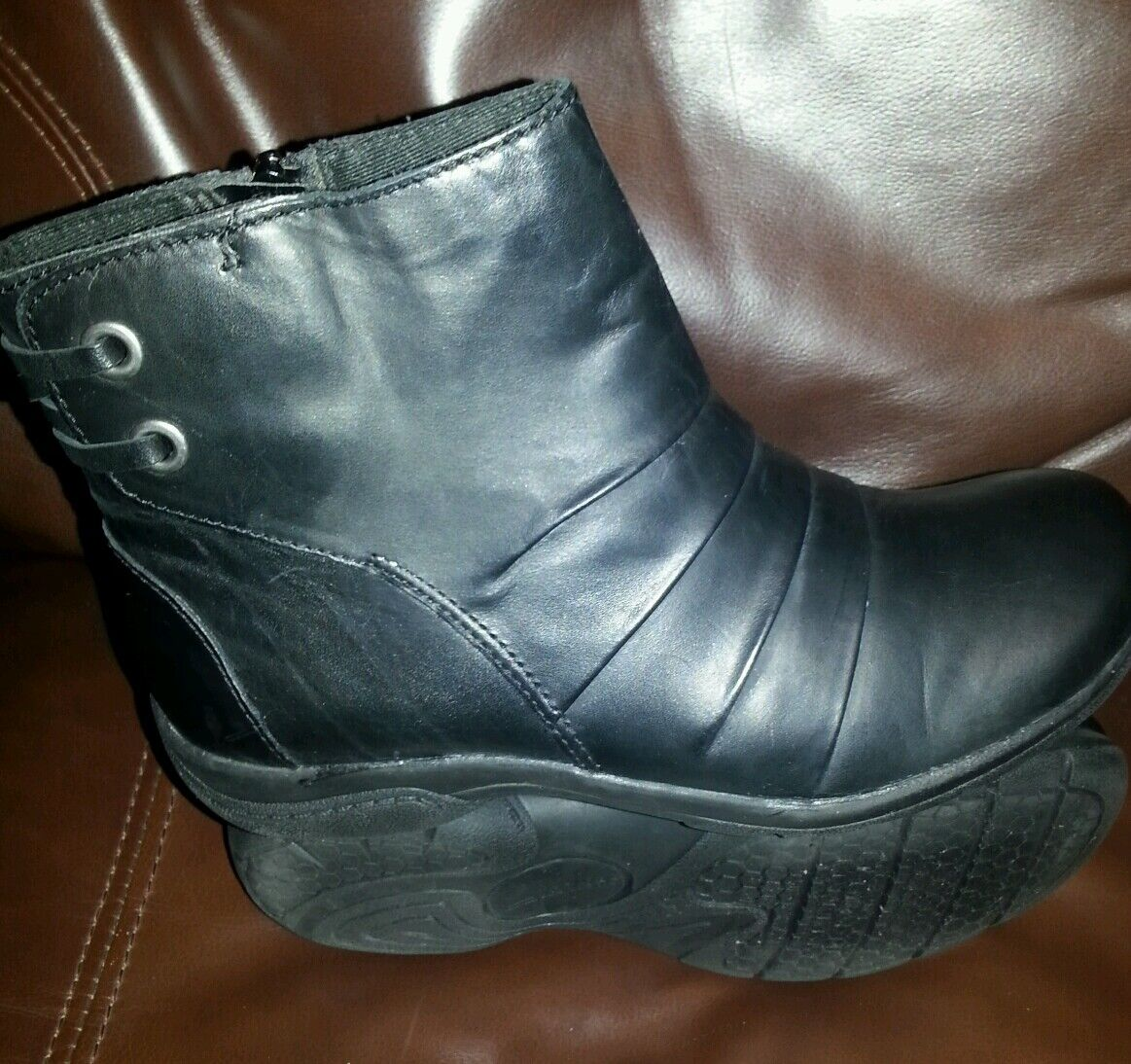 Clark's women's Multi black leather boots 6 winter casual shoes
