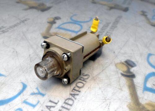 BUSSMAN FHL12U 90-500 V 30 A PANEL MOUNT MILITARY FUSE HOLDER