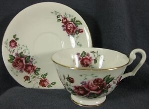 Clarence-Bone-China-Footed-Tea-Cup-amp-Saucer-Set-734-09-Roses-England