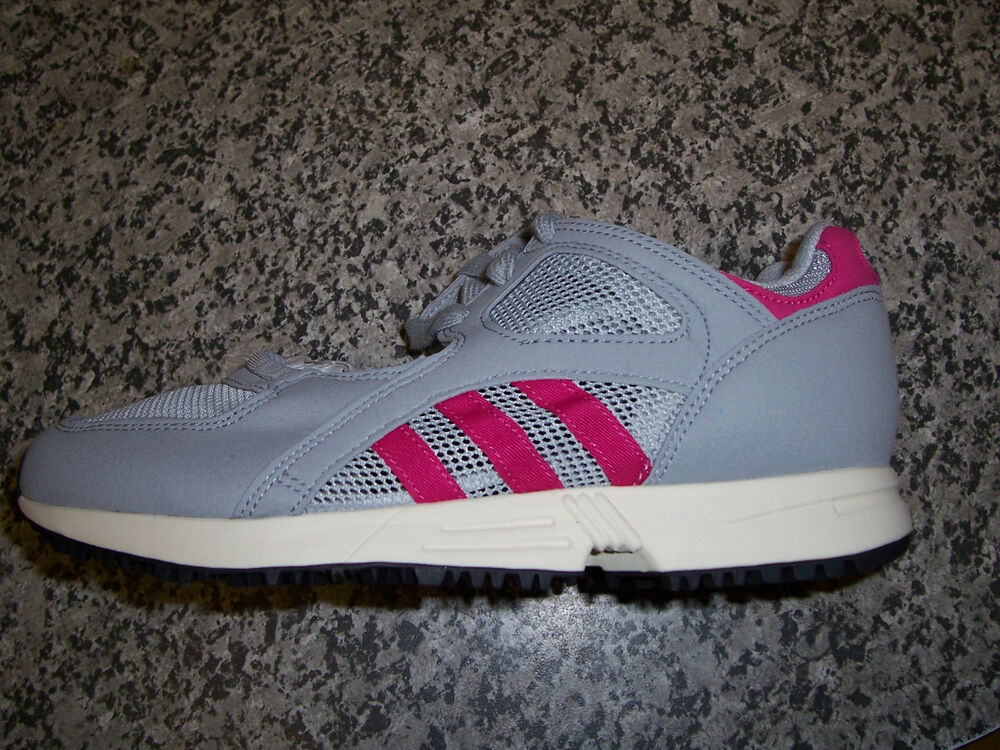 Entièrement neuf dans sa boîte Adidas-Equipment Racing Og Femme Baskets (S78858) taille 5-