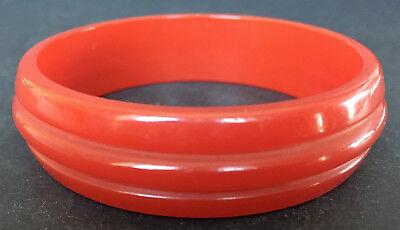Modern Sleek Ribbed Design! Stylish Vintage 34 Cherry Red Bakelite Bracelet
