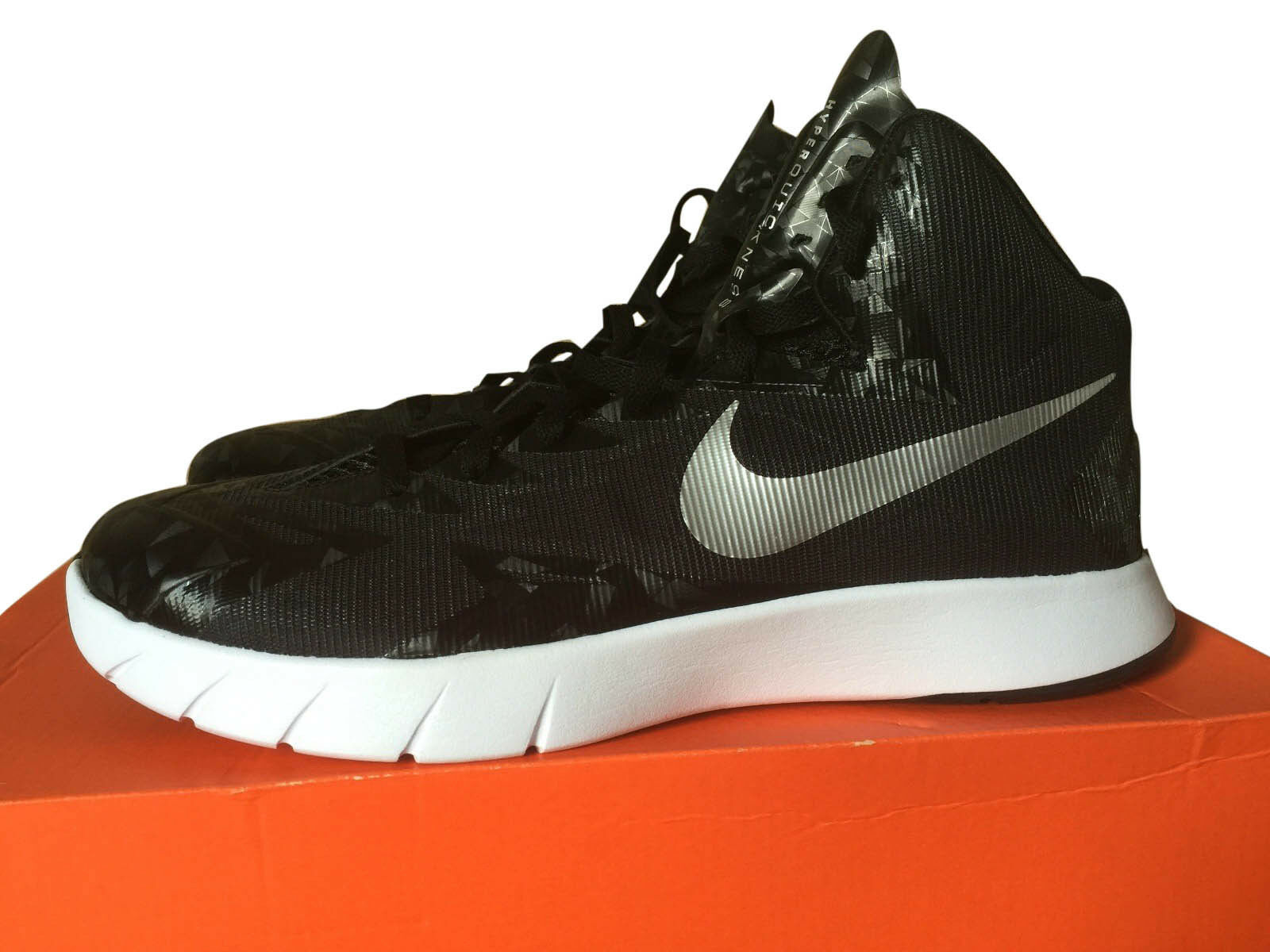 Men's Nike Lunar HyperQuickness TB size 11 Black and White   BRAND NEW