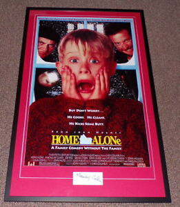 Macaulay-Culkin-Signed-Framed-26x41-Home-Alone-Poster-Display-Young-Signature-AW