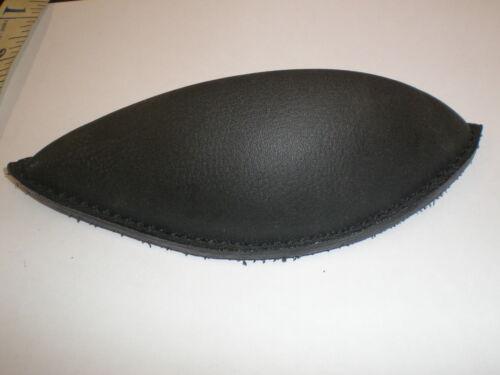 Collegiate Black Leather Back Blocs