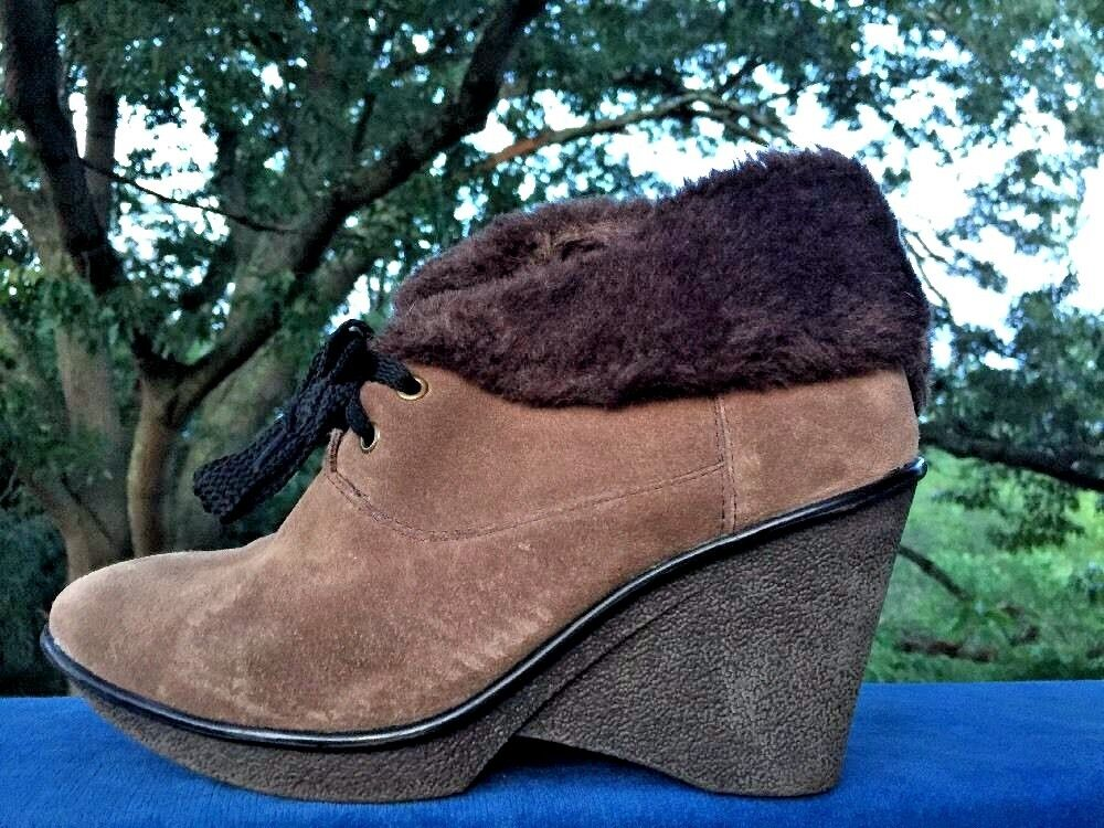 B MAKOWSKY Nellie Brown Suede Oxford Wedge Boot Bootie Womens Shoes Sz 7.5 WIDE