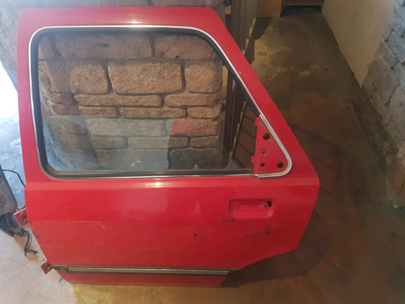 1984 FORD SIERA LEFT REAR DOOR FOR SALE