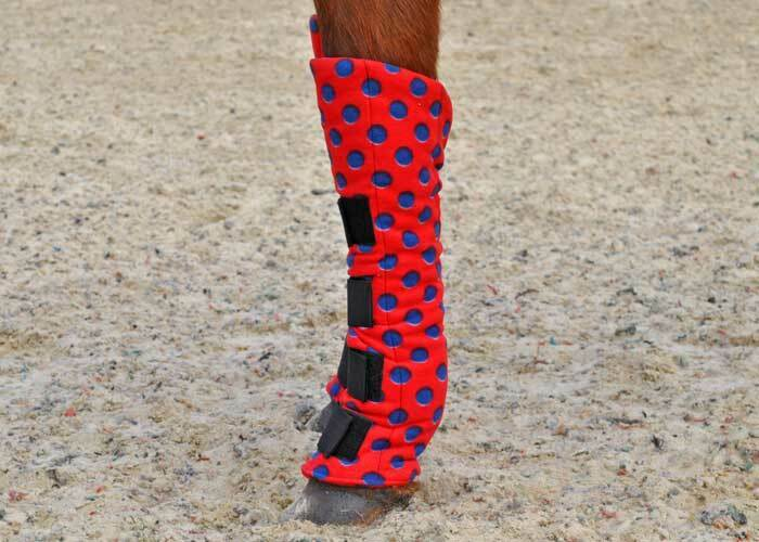 MAXIMA FLEECE TRAVEL BOOTS - 4 SIZES AVAILABLE - RED NAVY SPOT