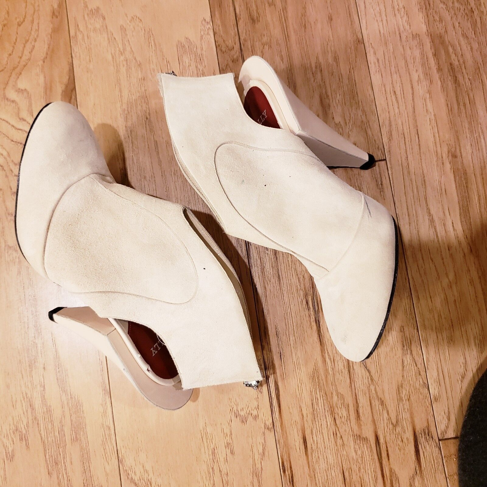 Bally Suede Sling Back avvioie with Cone Heal - Wouomo Dimensione 6.5 Cream