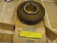 NOS John Deere T20799 3rd 4th Gear 450 Dozer Crawler Tractor T31803