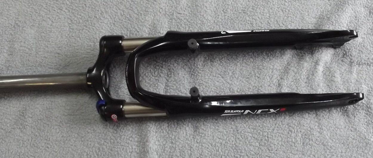 Suntour horquilla NCX bicicleta 28  trekking crossrad bloqueo 63mm negro