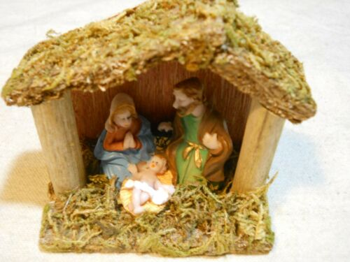 Tiny Decorative Wooden ~ Nativity Manger Scene w// Mary and Joseph~ New