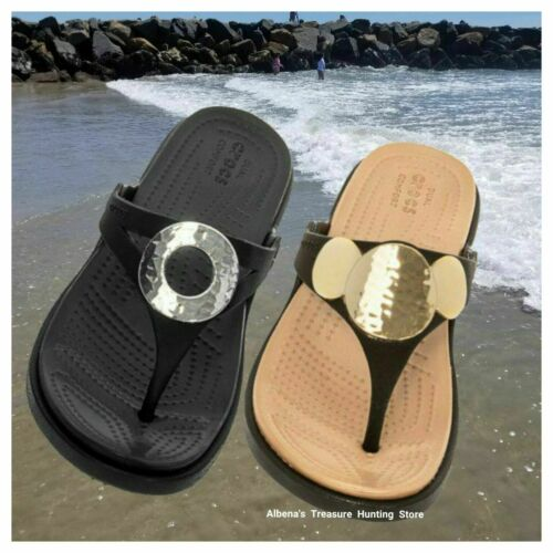 NWT CROCS Sanrah Metallic Women/'s Wedge Flip Sandals SELECT SIZE /& MODEL