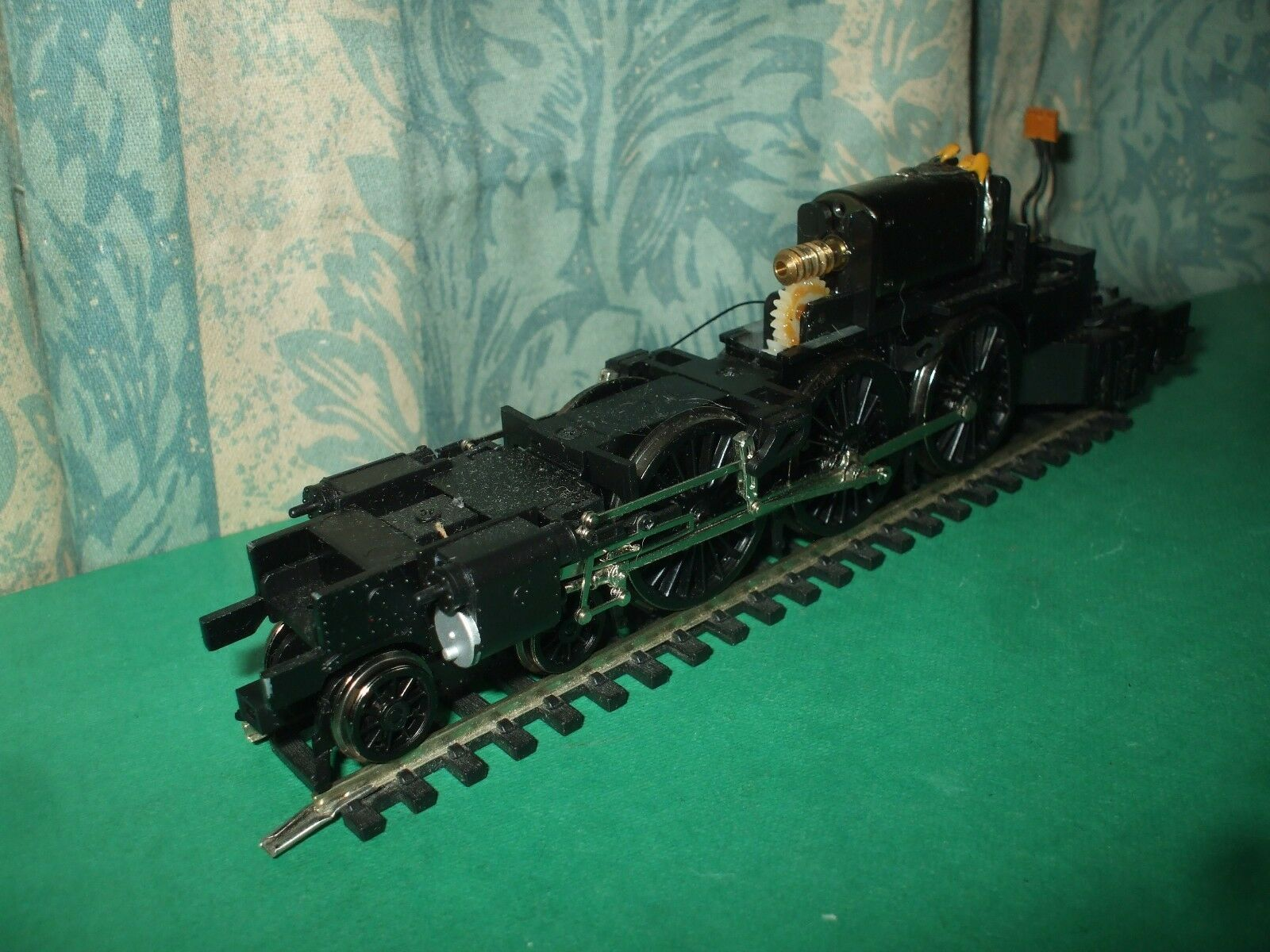 BACHMANN EX LNER A1 CLASS LOCO CHASSIS ONLY - No.4