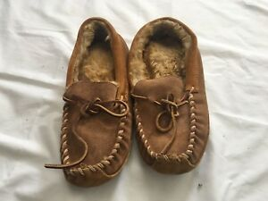 e0e086ff3ac LL BEAN Women s Wicked Good Scuff Sheepskin Moccasin Slippers Size 5 ...