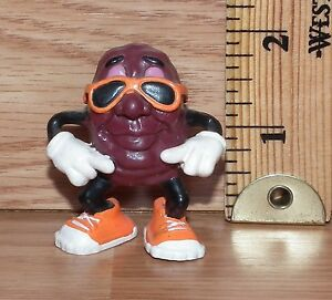 Applause Calrab California Raisin Boy Skateboarding PVC Figure Only **READ**