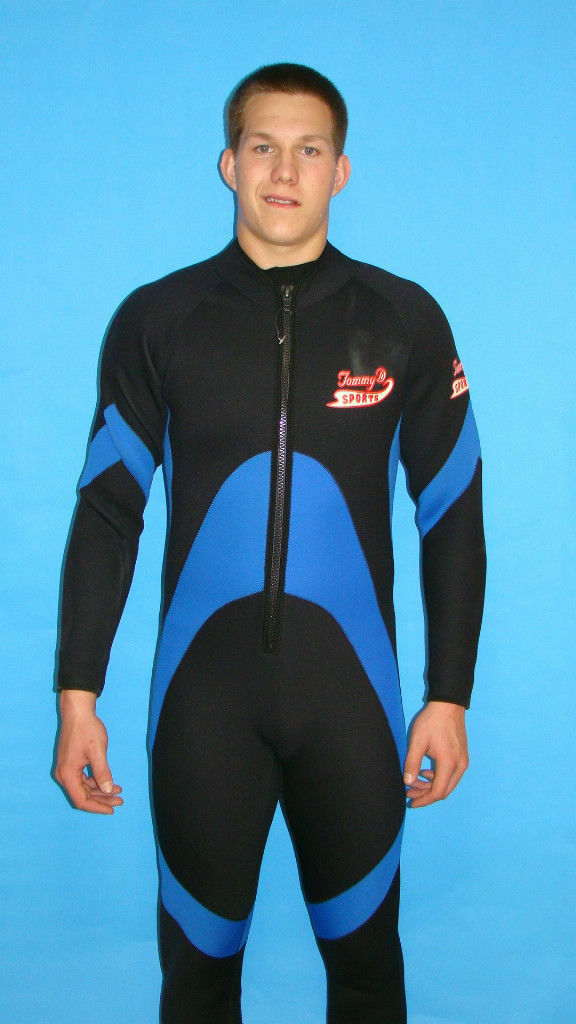 Wetsuit 3MM Size Small Mens Full Front Zipper Scuba Surf  Gear IH03  simple and generous design