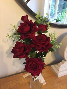 Artificial Quality Rose Luxury Flower Arrangement In A Glass Vase Ebay