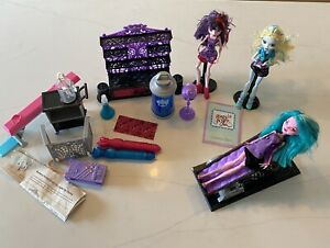 Monster-High-Dolls-And-Create-A-Monster-CAM-Color-Me-Creepy-Doll-amp-Furnit-Lot