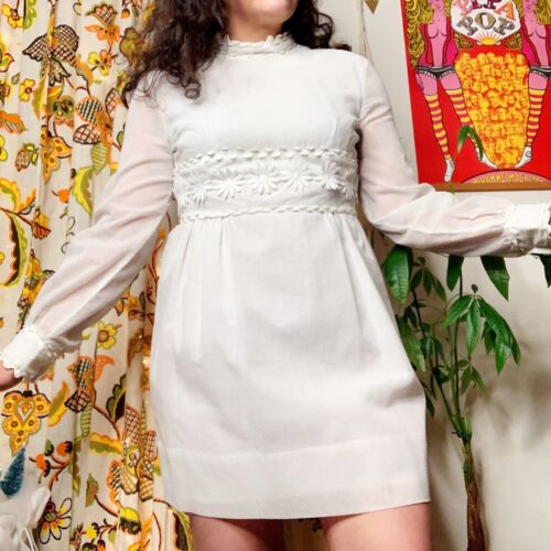 White Long Sleeve Textured 60s Mod Vintage Mini Dr