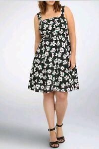 Details about Torrid Women\'s Skater Dress Floral Print Black/White Textured  Plus Size 20 (CC39