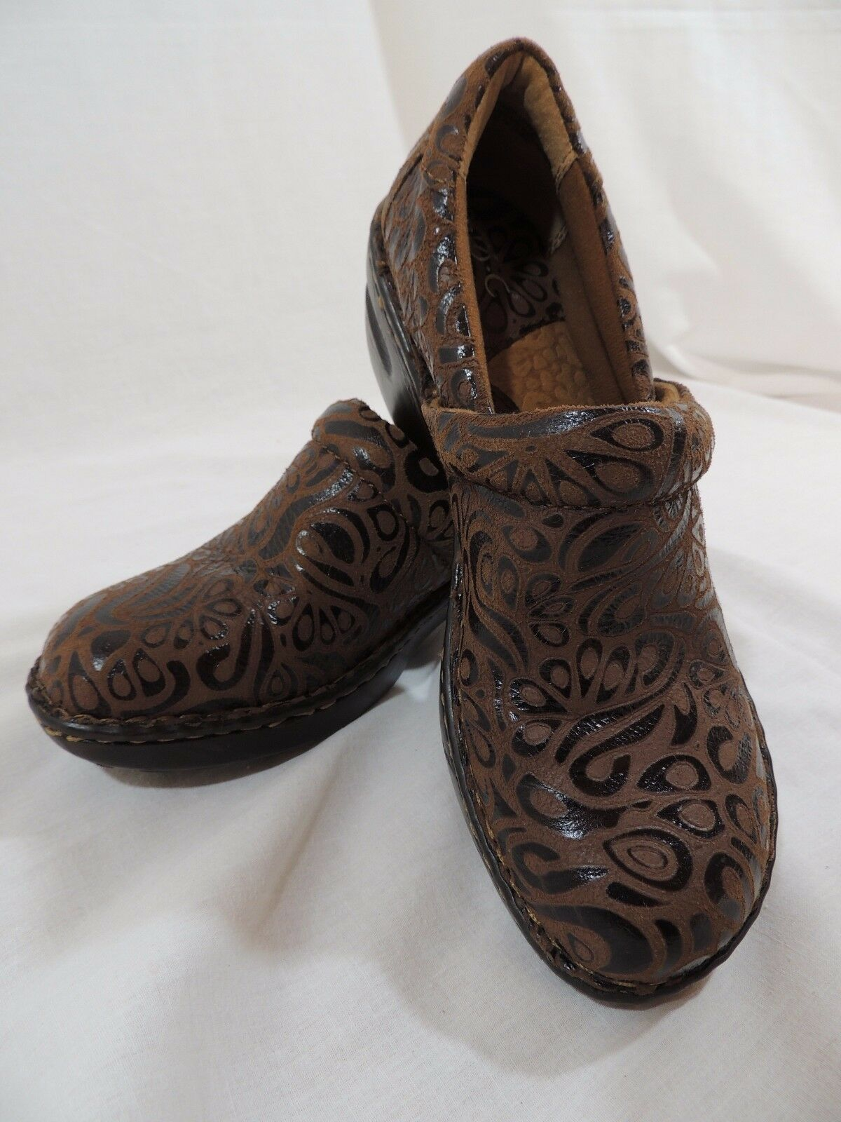 Born Concept BOC Brown Leather Paisley Clog Shoes Size 7.5.