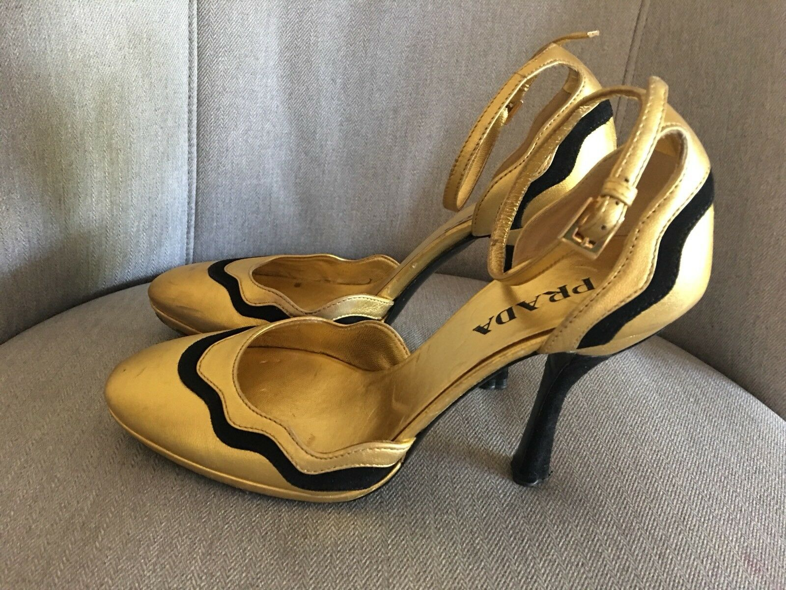 Prada oro leather high heels Ankle Strap scarpe 5.5 M