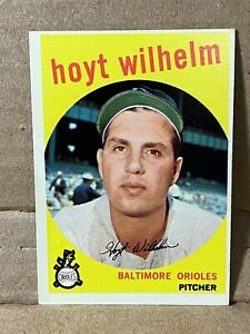 1959-59-Topps-HOYT-WILHELM-Card-HOF-Player-No-349-NM-to-NM-MT