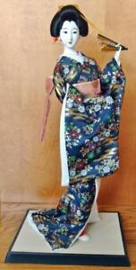 Blue-Vintage-Oriental-Asian-Japanese-Geisha-Girl-Figurine-on-Wood-Base
