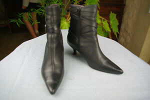 Bottines-ENTRELACETS-Cuir-Noir-T-35-TBE