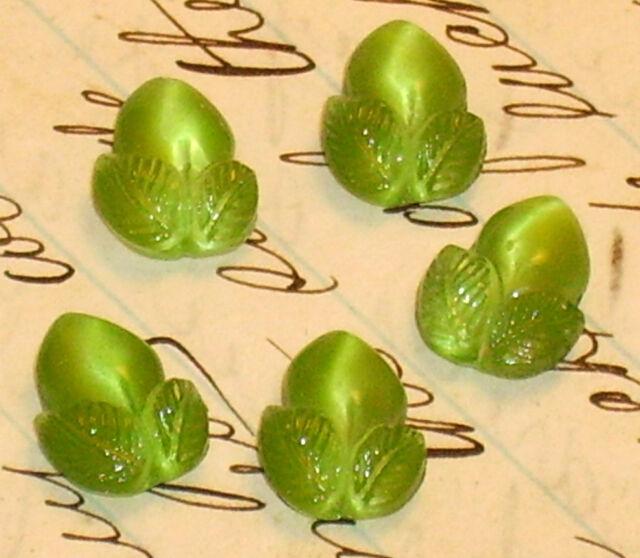 #461 Vintage Cabochon Acorn Fruit Leaf Leaves German Glass Cabs NOS Green