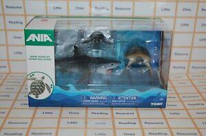 Ania-OCEAN-VOYAGE-Animal-Figure-Set-with-Shark-2-Sea-Turtles-TOMY-T16057