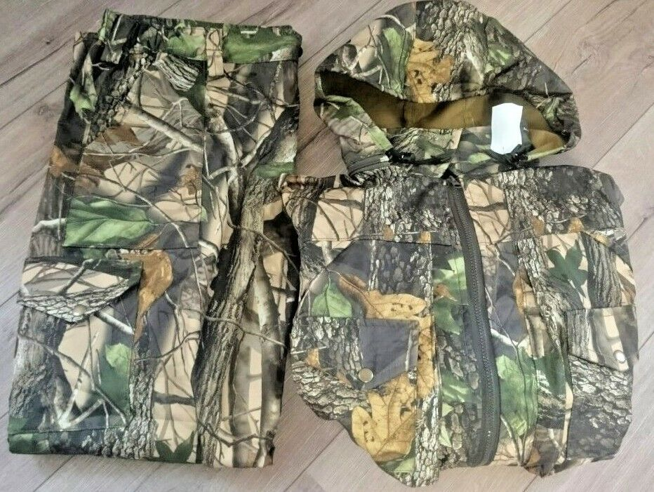 Men's suit for hunting and fishing  2 Pieces Clothing Camouflage brand new
