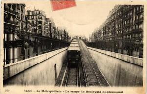 CPA-PARIS-18e-Le-Metropolitain-La-rampe-du-Bd-Rochechouart-539558