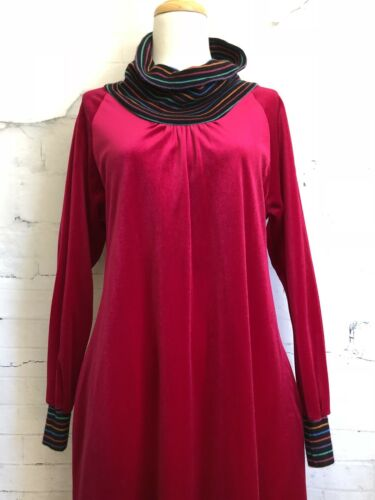 Vintage Georgie Keyloun Magenta Pink Lounge Dress