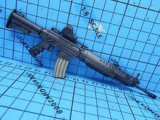 Hot Toys 1:6 Biohazard 5 VGM06 Chris Redfield BSAA Ver Figure-SIG556 Machine Gun