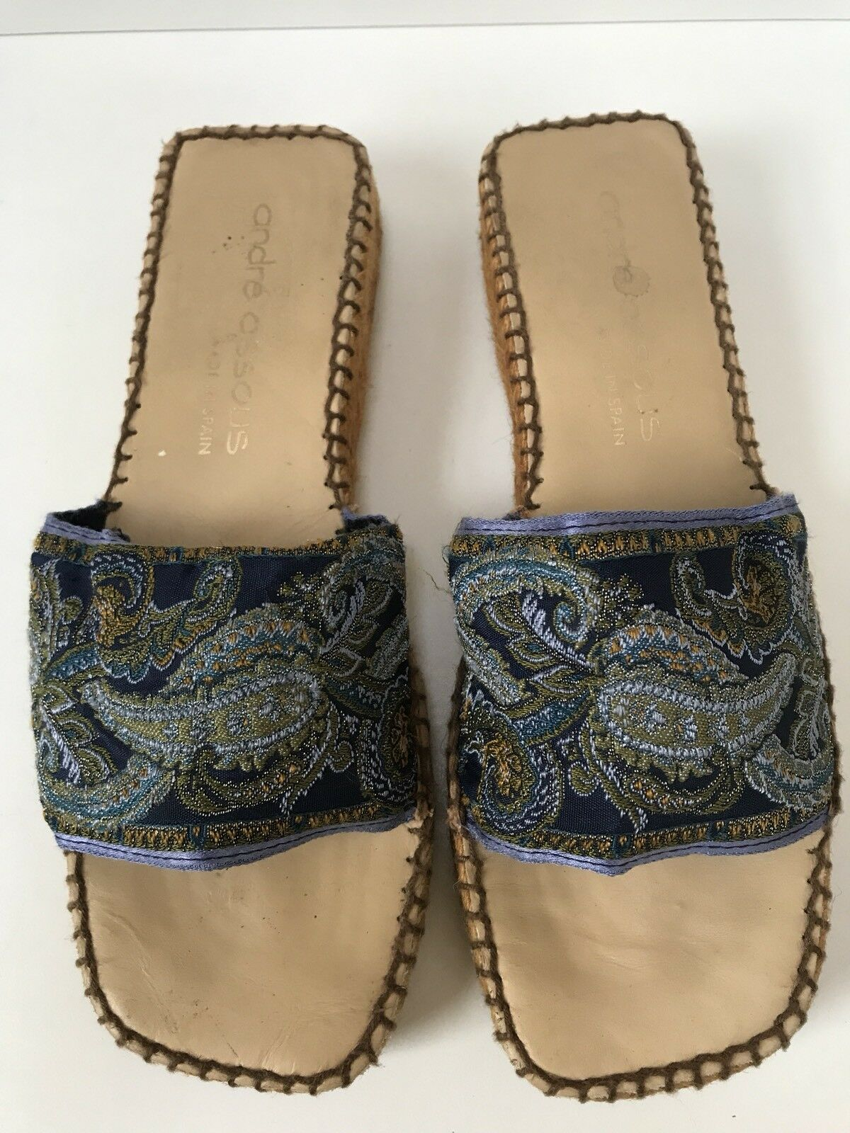 Andre Assous Sz 9 Navy bleu & violet Paisley Fabric Slip On Espadrille Sandal