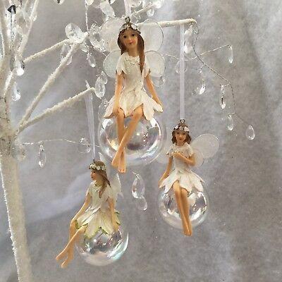 Gisela Graham set of 3 Red /& White Pixies on Soap Bubbles