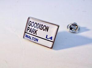 EVERTON-STADIUM-STREET-ROAD-SIGN-LAPEL-PIN-BADGE-TIE-TACK-GIFT