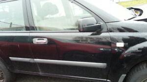 Nissan-x-Trail-Tuer-rechts-vR-vorne-rechts-T30-schwarz-Beifahrertuer-x-trail