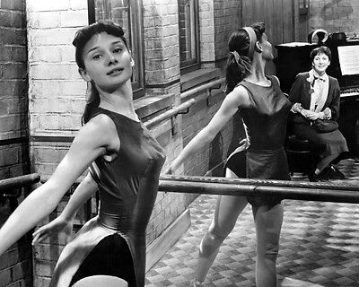 AUDREY HEPBURN RARE BALLET DANCING EARLY 1950'S PHOTO